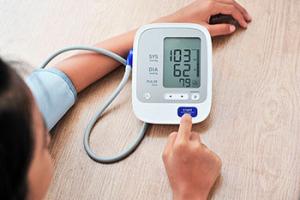 Presión arterial alta persistente puede causar efectos adversos