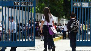 Colegios privados advierten docencia no podrá ser presencial el 24 agosto