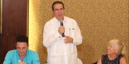 Asociación de Cruceros de la Floridareconoce a Fco. Javier García