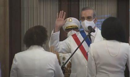 """Nuevas procuradoras tienen """"total independencia"""", dice Luis Abinader"""