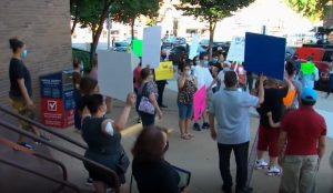 NUEVA JERSEY: Padres marchan en defensa hispano acusado violación
