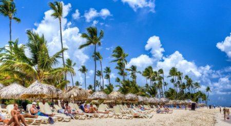 Turismo extranjero cayó un 88% en R.Dominicana al mes de la reapertura