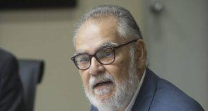 Ministro Economía descarta reforma fiscal en medio de la actual crisis
