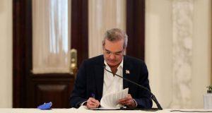 Abinader promulga Ley Presupuesto Complementario para resto de 2020
