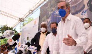 Abinader: situación sanitaria dirá si sigue o se quita el toque de queda