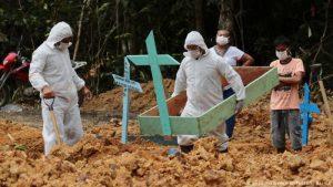 Brasil suma 122,596 muertos COVID;  Bolsonaro descarta uso de la vacuna