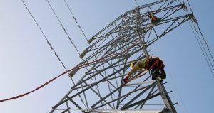 Tras una caída, dicen que el sistema eléctrico RD suple 98% de la demanda