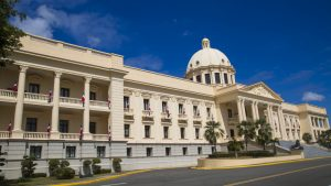 Presidente Luis Abinader designa nuevos funcionarios y deroga decretos