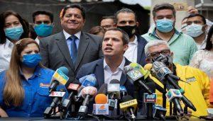 VENEZUELA: Guaidó califica indultos de Maduro como «una trampa»