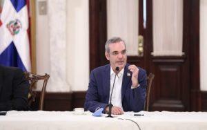 Abinader destituye a 33 embajadores, vicecónsules y ministros consejeros