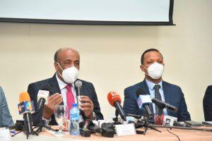 Ministro Energía atribuye apagones a averías y mantenimiento de plantas