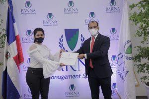"""Scotiabank apoya el programa""""Becas a la Excelencia"""" de Barna"""