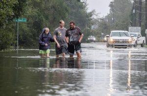 MIAMI: El huracán Sally tomó por sorpresa el norte de Florida