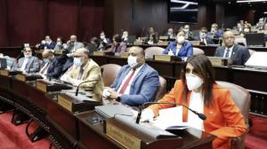 Más de 7 mil proyectos de leyes pendientes en Congreso dominicano