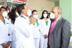 Ministro de Salud resalta labor social del doctor Cruz Jiminián