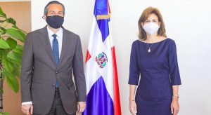 Designan en el exterior a la esposa de Jorge Mera y a una hermana de la Vice