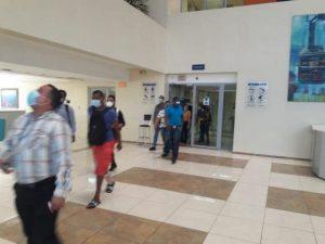 Fuga de gas hace obliga desalojar la torre administrativa de la UASD