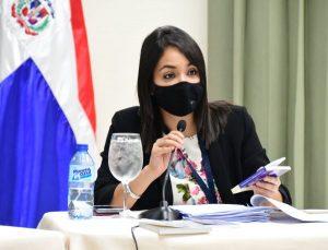Senadora Faride Raful se queja sobre la difamación en el país