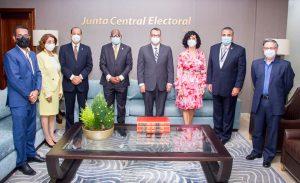 Comisión del Frente Amplio también se reúne con presidente Junta Central Electoral