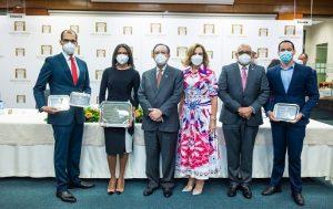 BCRD entrega premios Concurso Anual Economía Biblioteca «Juan P. Duarte»