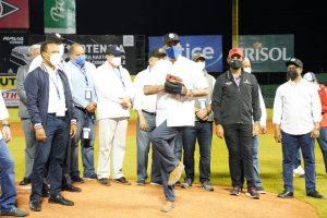 Gigantes y Tigres ganan en inicio de atípico torneo de béisbol dominicano