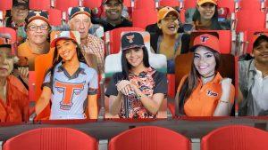 Equipo Toros del Este ofrece fotos en su estadio a cambio de dinero