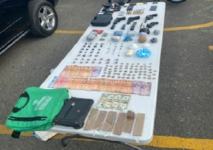 SFM: Desarticulan banda de narcos se disputaban puntos ventas de drogas