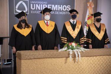 UNIREMHOS inviste a 348 nuevos profesionales en graduación virtual