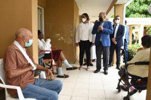 Ministro Salud insta población a que se prepare para recibir vacuna Covid