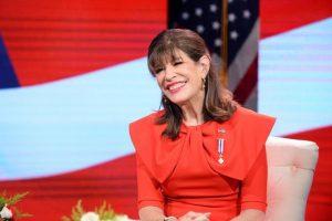 Embajadora EEUU valora modalidad clases a distancia emplea el Minerd
