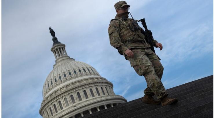 FBI examina a tropas militares por toma de posesión de Biden