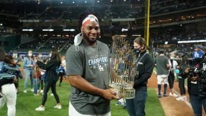 Lanzador dominicano Pedro Báez acuerda con los Houston Astros