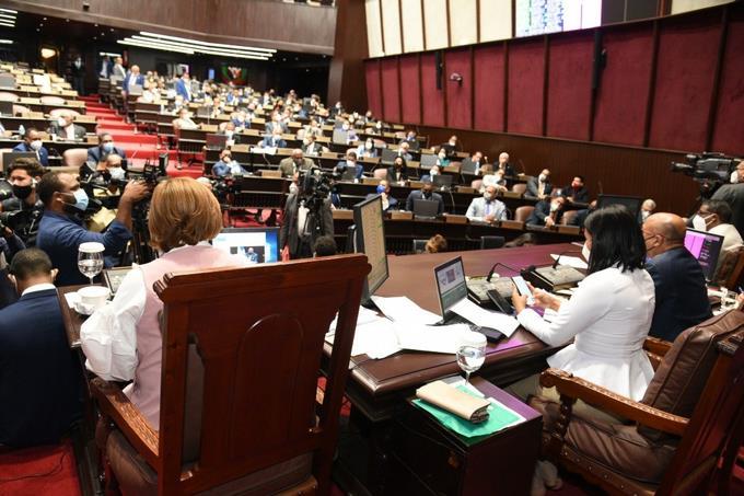 COVID-19: Congreso de Guatemala aprueba ley para comprar vacunas