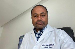 Médico sugiere usar fondos de multas para comprar pruebas PCR o vacunas