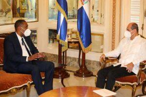 CUBA: Embajador de República Dominicana presenta copias de Estilo