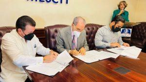 MESCYT y tres universidades formarán en tecnologías de la información