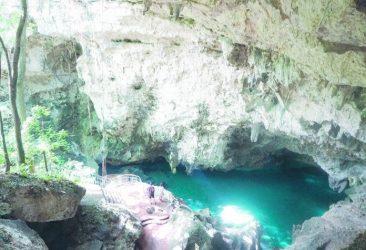 TURISMO: Cueva de los Tres Ojos, impactante monumento natural