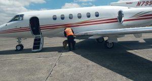 GUATEMALA: Decomisan avión privado del expresidente Ricardo Martinelli