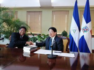 Canciller de Nicaragua recibe cartas dredenciales al nuevo embajador RD
