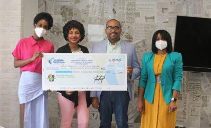 Odalis Castillo y Juan Navarro ganan concurso a favor derechos de mujeres