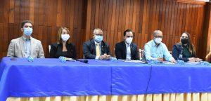 Ministerio defiende licitación para comprar jeringuillas tras denuncia