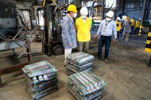 Ministro Industria dice planta reciclaje de baterías Meteoro no ofrece peligro