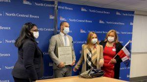 NUEVA YORK: Reconocen en hospital El Bronx a un empleado de origen RD
