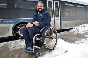 Nombran a dominicano como primer director de accesibilidad de la MTA