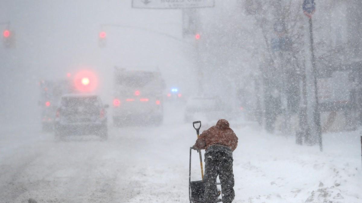 EEUU: Tormenta invernal se dirige al noreste tras azotar el medio oeste