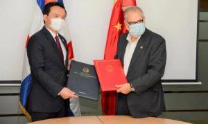 R. Dominicana y China firman otro acuerdo de cooperación económica