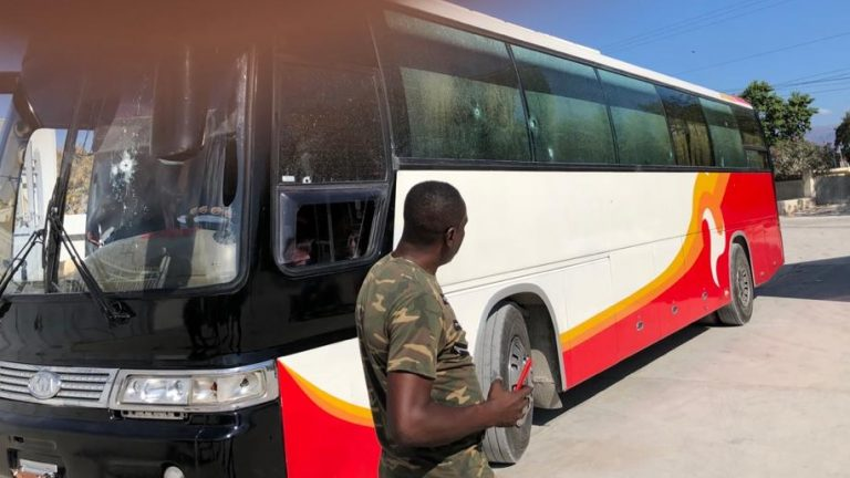 dominicanos-heridos-durante-intento-secuestro-de-autobus-de-rd-en-haiti
