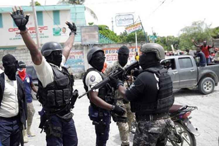 Al menos un muerto en el marco de enfrentamientos entre policías en Haití