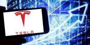 El precio de las acciones de Tesla sí dejó sin palabras a los analistas