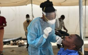 Haití pasa balance un año después de la llegada del azote de la Covid-19